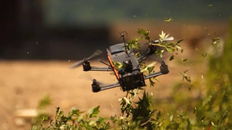 प्रोफेशनल ड्रोन रेसर जेव्हा फोटोग्राफी करतो तेव्हा..